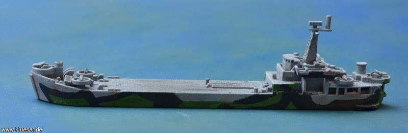 Before conversion of the model I used it to show the typical bridge layout of a Vietnam era LST. The camouflage is from WW2-LST776